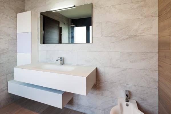 badezimmerspiegel montage